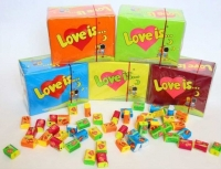 Жвачка Love is блок